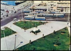 """Πλατεία Καραϊσκάκη, Πειραιάς 1970's. Φωτογραφία από το βιβλίο του Διονυσίου Πανίτσα """"Ο άρχοντας του Πειραιώς"""". Old Photos, Vintage Photos, Old City, Public Transport, Historical Photos, Athens, Olympia, Greece, Louvre"""