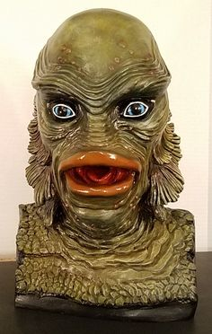 Creature From The Black Lagoon life-size resin bust fully painted in stock Japan Room, Man Beast, Black Lagoon, Skull Art, Sculpting, Cool Art, Lion Sculpture, Creatures, African