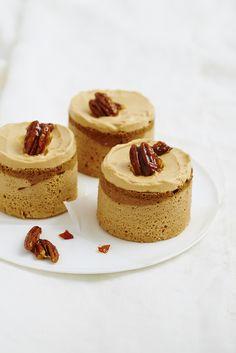 .: ♨ Gourmet Appetite ♨ *caramel pecan angel cakes ♥ Stylisme et recette : Coralie Ferreira Photographie : Aimery Chemin Hachette 2014