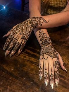 Henna Hand Tattoo - Ancestors and Temporary - Tattoo Ideen - Henna Designs Hand Mehndi Tattoo, Henna Tattoo Designs, Henna Tattoos, Et Tattoo, Best Mehndi Designs, Beautiful Henna Designs, Mehndi Designs For Hands, Henna Mehndi, Henna Mandala