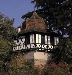 Außenansicht des Faustturms von Kloster Maulbronn