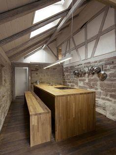 Offene Küche in renoviertem Fachwerkhaus