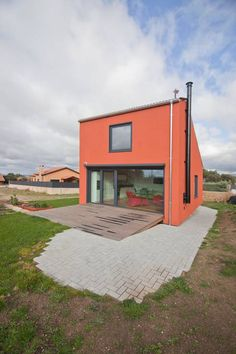 Ready in 45 Days, This 65 m² Prefab House Has Space for Everything (From Amy Buxton) Prefabricated Houses, Prefab Homes, Unusual Homes, Wooden House, Little Houses, Architecture, Tiny House, House Plans, Cottage