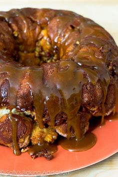 monkey bread with caramel sauce