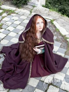 Full-round Woolen Medieval Hooded Cloak - ArmStreet (Beautiful!)