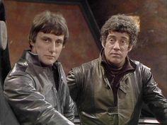 Paul Darrow als Avon und Gareth Thomas als Roj Best Sci Fi Series, Bbc Tv Series, 80 Tv Shows, Sci Fi Tv Shows, Avon, Movies For Boys, Classic Tv, Sci Fi Fantasy, Science Fiction