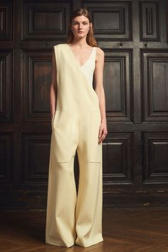 Marina Moscone Fall 2018 Ready-to-Wear Fashion Show Collection: See the complete Marina Moscone Fall 2018 Ready-to-Wear collection. Look 8 Fashion News, Boho Fashion, Autumn Fashion, Fashion Trends, Street Fashion, Luxury Clothing Brands, Designer Clothing, Designer Jumpsuits, One Piece Dress