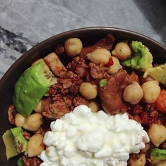 Köttfärssås med matvete, avokado & kikärtor. Ser ut som skit men smakade