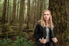 Eliza Taylor & Marie Avgeropoulos: 'The Cast Pics & New Trailer!: Photo Check out these new gallery pics of Eliza Taylor, Thomas McDonell and Marie Avgeropoulos for The Ninety-seven years ago, nuclear Armageddon decimated planet… Best New Tv Series, Best Tv Shows, Episodes Series, Cw Series, The 100 Cast, It Cast, The 100 Season 1, Ricky Whittle, Game Of Thrones Episodes