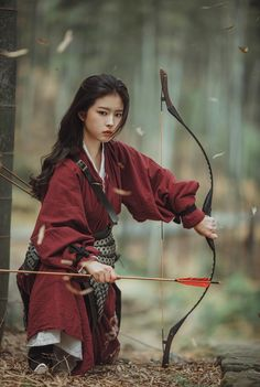 Hanfu, Fantasy Photography, Portrait Photography, Female Samurai, Poses References, Warrior Girl, Action Poses, Mode Outfits, Female Characters