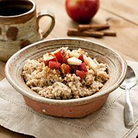 If you have type 2 diabetes, a good breakfast can help maintain a stable energy level. Get easy and healthy breakfast ideas to start your day off right.