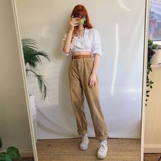 Goorrrgous oatmeal cream high waisted vintage cord trousers - Depop Button trousers outfit ideas for women. Retro Outfits, Vintage Outfits, Cool Outfits, Casual Outfits, Vintage Fashion, Cream Pants, Cream Trousers Outfit, 90s Fashion, Fashion Outfits
