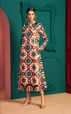 Look Fashion, Fashion News, Womens Fashion, Fashion Design, Fashion Trends, Swing Dress, Dress Up, Moda Casual, Vestidos Vintage