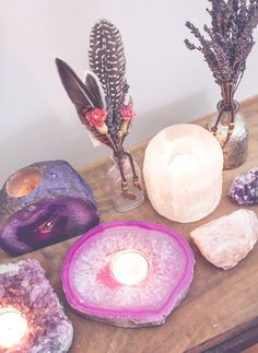 Crystals And Gemstones, Stones And Crystals, Healing Stones, Crystal Healing, Meditation Space, Meditation Corner, Meditation Stones, Crystal Decor, Rocks And Gems