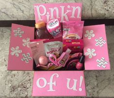 Pinkn of Relationship gifts Cute Birthday Gift, Birthday Gift Baskets, Birthday Gifts For Best Friend, Best Friend Gifts, Diy Birthday Box, Themed Gift Baskets, Pink Birthday, Birthday Presents, Pink Gift Box