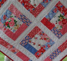 happy little cottage: quilts Love the mix of florals and dots, and of course, I always love red!