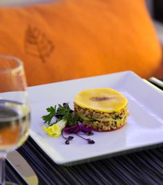 The luxurious private jet experience would not be complete without five-star dining. Using only the freshest ingredients and catering to any personal dietary needs, a dedicated Four Seasons chef travels with you and carefully designs in-flight menus that incorporate culinary influences from around the world. During your stay at each unique Four Seasons destination, the hotel or resort's executive chef continues the epicurean adventure with expertly crafted menus and wine pairings.