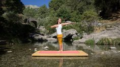 Los ejercicios de Pranayama en el campo tiene un efecto más intenso. Llena tus pulmones de aire limpio y cárgate de energía renovada.