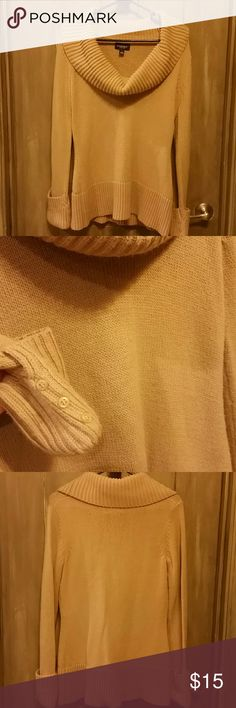 💘 20% off 2 or more 💕 Beige turtleneck sweater, like new condition!! Sonoma Sweaters Cowl & Turtlenecks