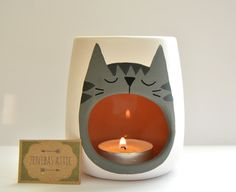 Grey Tabby Cat Oil Burner - Wax Warmer - Wax Melter - Cat Lover - Grey Cat - Kitten - Cat Lady - Candle Holder - White - Hygge - Skandi