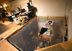 20 hamacs totalement incroyables qui vont vous faire rêver En savoir plus sur http://www.letribunaldunet.fr/photos-2/photos-20-hamacs-totalement-incroyables-vont-faire-rever.html#trwp5USXvPQHKofq.99