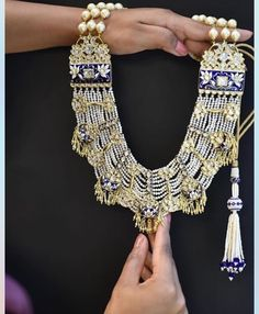 Indian Jewelry Sets, Indian Wedding Jewelry, India Jewelry, Bridal Jewelry, Antique Jewellery Designs, Jewelry Design, Saris, Hyderabadi Jewelry, Pakistani Jewelry