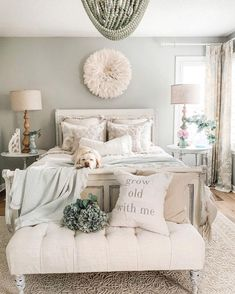airy cozy bedroom decor ideas for small rooms cozy brown Master Bedroom Bedroom Decor Dark, Traditional Bedroom Decor, Cozy Bedroom, Chic Bedroom Ideas, Romantic Master Bedroom Ideas, Bedding Master Bedroom, Bedroom Themes, Decorating Walls In Bedroom, Adult Bedroom Ideas