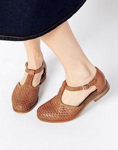 Zapatos planos de cuero JUXTAPOSE de ASOS