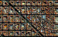 El barrio de L'Eixample de Valencia visto desde el espacio