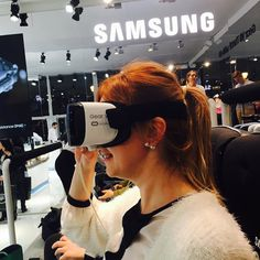 An awesome Virtual Reality pic! #Apple vs #Samsung competition fairy tail)  In the very center of Barcelona there has always been an Apple iStore. Like in many other cities. There has always been long queues when new phones were released and everything was so classic until Samsung released its Gear VR while Apple is obviously not a leader in VR stuff. Steve Jobs would be very disappointed if he saw what's was happening here today. So in the same very center of Barcelona even closer to the…