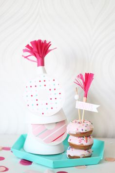 bright & bold: DIY DONUT PARTY HAT.