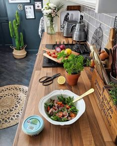 As you know I'm trying to live a healthier lifestyle at the moment, so a balanced diet is key. I love a good salad and I try to eat a… Kitchen Tops, Kitchen Dining, Kitchen Decor, Home Board, Apartment Plans, Balanced Diet, Home Kitchens, Kitchen Remodel, Healthy Lifestyle