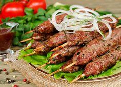 Это аппетитное блюдо восточной кухни отличается от наших традиционных котлет тем, что в нем нет ни хлеба, ни яиц. Да и специи использую...