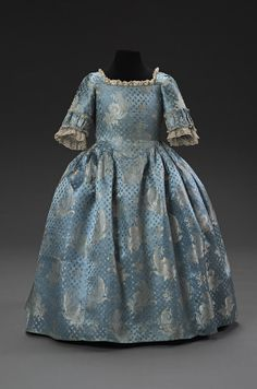 Girl's dress ca. 1770-1780 From the Musee du Costume et de la Dentelle