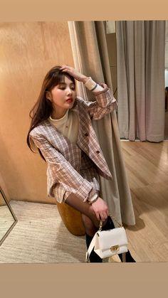 Red Velvet❤️Joy Red Velvet Band, Red Velvet Joy, Red Velvet Seulgi, South Korean Girls, Korean Girl Groups, Joy Instagram, Instagram Story, Park Sooyoung, Korean Bands