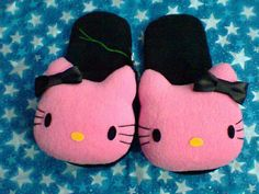 Pantuflas Hello Kitty. Hecho a mano. Diseñamos lo que te gusta.