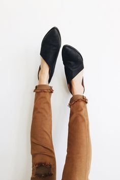 """Free People  Closed toe version of FP fave Mont Blanc Sandal, these leather flats are  made with the finest Spanish craftsmanship. Leather flats feature side  cutouts and a slight stacked heel.  Shaft: 3.75"""" = 9.52 cm  Heel: 1.0"""" = 2.54 cm"""