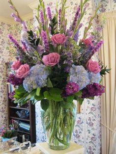 Beautiful Gladiolus Flower Arrangements For Home Decorations 46 - DecOMG Gladiolus Arrangements, Spring Flower Arrangements, Beautiful Flower Arrangements, Spring Flowers, Floral Arrangements, Beautiful Flowers, Silk Flowers, Blue Flowers, Gladiolus Flower