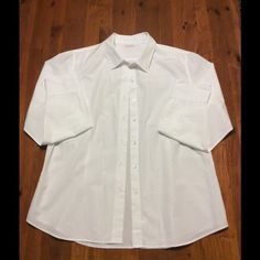 LORENZINI SHIRT Plain white long sleeve shirt, made in Italy. 100% cotton. Very comfy for this summer. No modeling, no trades, no holds, no PP, only sale here. I don't negotiate by command message, push the official button. PRICE FAIRLY FIRM. LORENZINI Tops