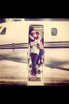 Aww! I love how he's hugging on her from behind! That's so adorable! They're so cute together! #LoveThem #MyIdols