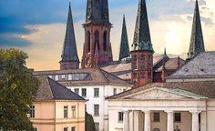 'Oldenburg - Schlosswache und Lambertikirche   ' von Dirk h. Wendt bei artflakes.com als Poster oder Kunstdruck $18.03