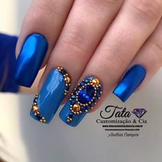 Unhas decoradas com joias 💅🏻 #NailArt #Azul 💕 Rhinestone Nails, Bling Nails, Swag Nails, Glitter Nails, French Nail Designs, Gel Nail Designs, Beautiful Nail Designs, Gem Nails, Hair And Nails