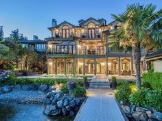 "Luxury real estate in Kirkland WA US - Luxurious ""Prima Vista"" Waterfront Home - JamesEdition"