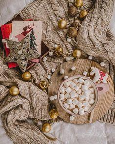 Приметы на Новый год 2021 (год Быка) - самое важное! New Years Party, Burlap Wreath, My Photos, Winter, Christmas, Cards, Decor, Birthday, Winter Time