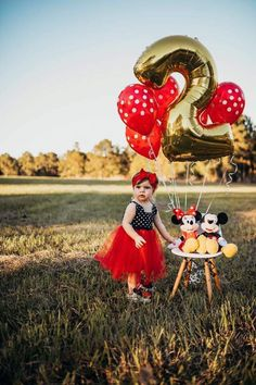 Minnie Mouse, Minnie, Minnie Mouse birthday party, first birthday girl ideas, second birthday party idea, two, 2nd bday, red bow, hair bow, girls, girls fashion, Toddler girl