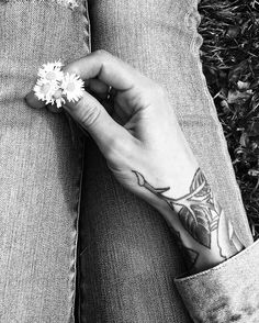 Flowers on flowers.  #fields #flowers #ink #tattoo #roses  #blackandwhite #flora #inmyhands #sanfrancisco #summerdays