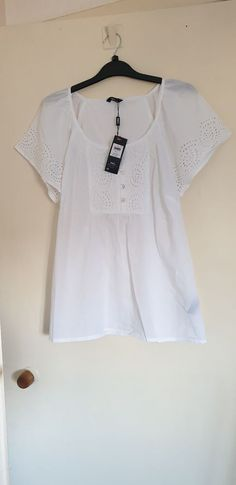 d42af80865327 M  amp  Co White Tunic Top Size 14 Bnwt  fashion  clothes  shoes