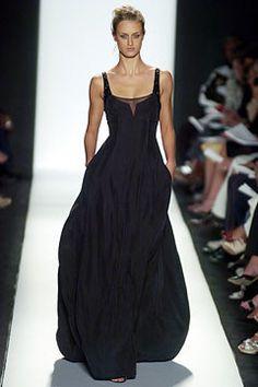 Narciso Rodriguez Spring 2005 Ready-to-Wear Fashion Show - Jana Drews Runway Fashion, High Fashion, Fashion Show, Fashion Outfits, Womens Fashion, Beautiful Gowns, Beautiful Outfits, Fashion Designer, Mode Style
