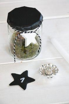 skandinavischer adventskranz im glas weihnachtsdeko. Black Bedroom Furniture Sets. Home Design Ideas