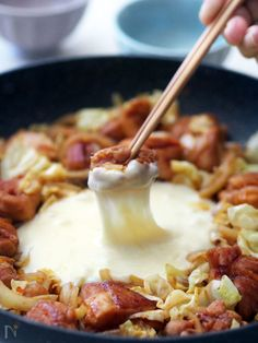 【フライパンでできる!】話題沸騰中!旨辛「チーズタッカルビ」をお家で楽しもう | レシピサイト「Nadia | ナディア」プロの料理を無料で検索